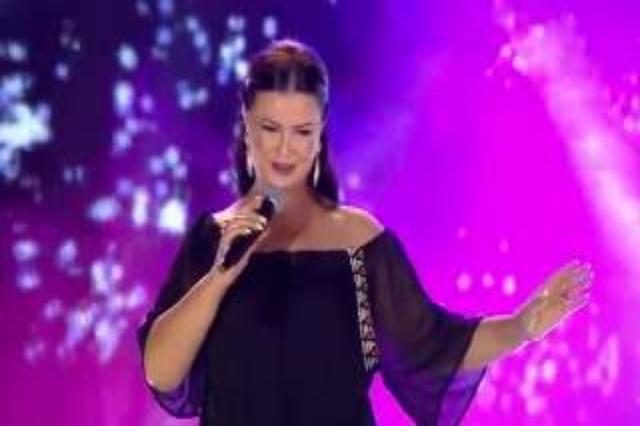 Eli Fara, la cantante delle serenate