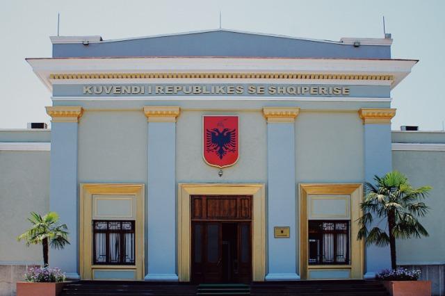Arnavutluk Meclisi'nde 2021 yılının bütçe taslağı ilke açısından onaylandı