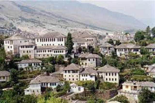 Die Museumsstadt Gjirokastra - eine der schönsten  Städte  in Albanien