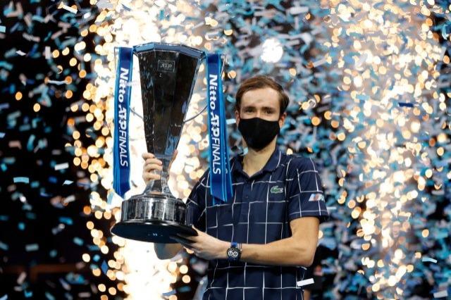 Đoković, Nadal, pa Tim – Medvedev preko teniskog krema do titule u Londonu!