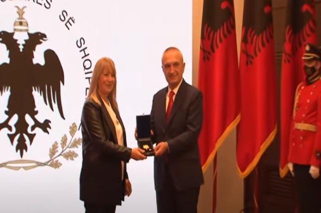 Meta récompense les athlètes albanais avec des titres honorifiques élevés