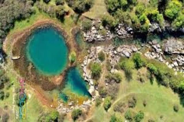 Œil de Shegan, une source naturelle de conte de fées dans le nord de l'Albanie