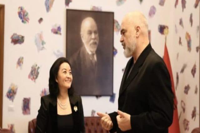 ABD'nin Tiran Büyükelçisi Yuri Kim, Başbakan Edi Rama ile bir görüşme yaptı