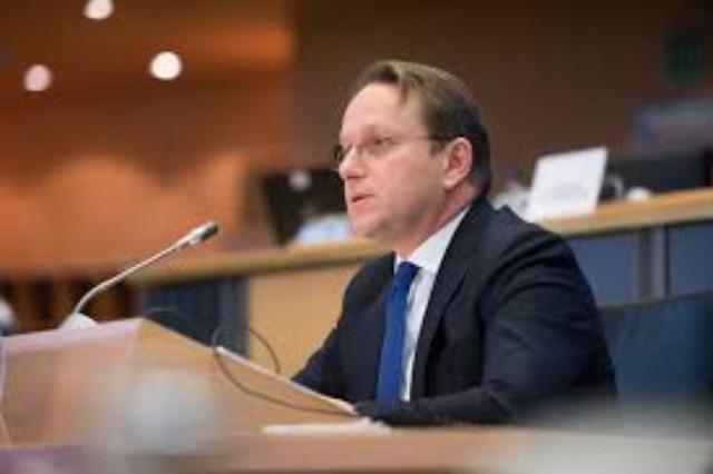 "Varhelyi: ""l'UE fournira des vaccins anti-Covid pour les Balkans"""