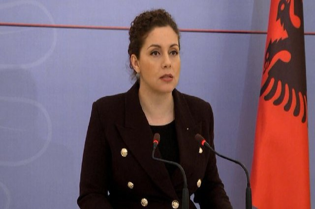 Xhaçka appeals to Albanians living abroad to register on the e-Albania platform to specify their addresses