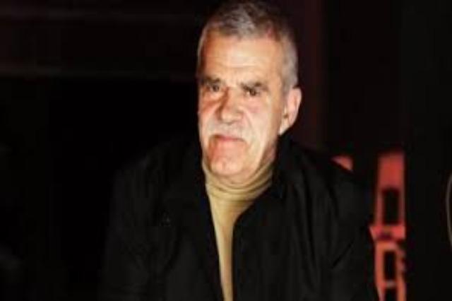 Der  berühmte albanische Schauspieler, Robert Ndrenika hat heute Geburtstag