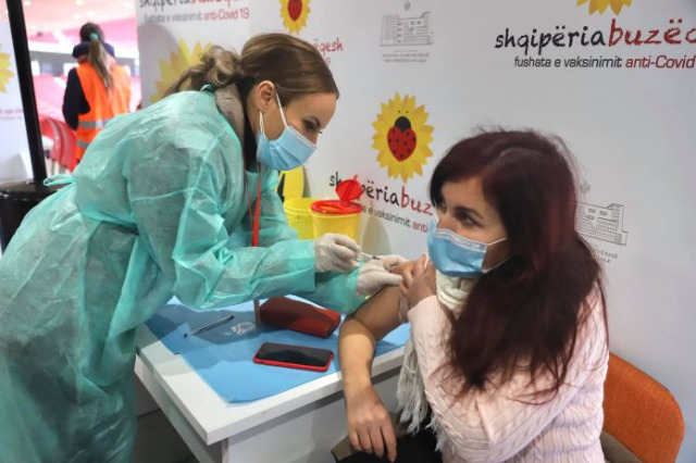 Open vaccination week of students, Minister Manastirliu call for more vaccinations