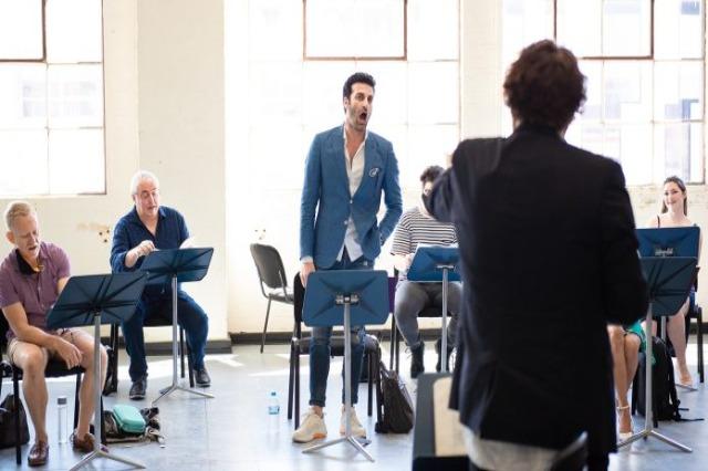 """Il tenore Ramë Lahaj parte del cast dell'opera """"La Traviata"""" di Sydney"""