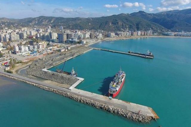Investitionen in Vlora, vom Flughafen zum Touristenhafen