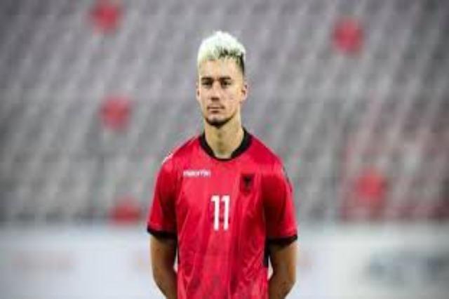 Ernest Muci ist ein neuer Spieler von Legia Warschau