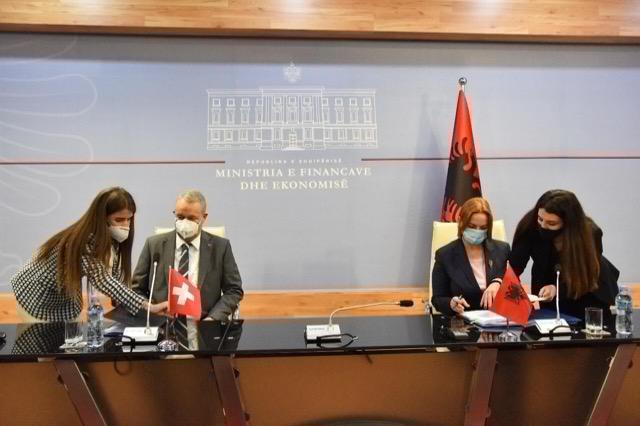 Υπεγράφη μνημόνιο συμφωνίας στον τομέα της βιομηχανικής ιδιοκτησίας