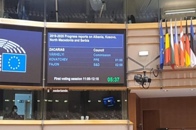 Das Europäische Parlament: Der Europäische Rat wird die Regierungskonferenz mit Albanien abhalten, ohne Zeit zu verschwenden