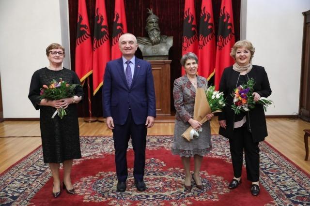 President Meta praises three journalists of RTSH