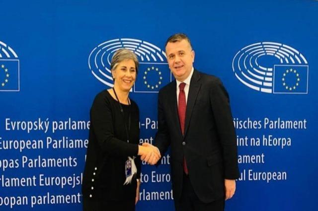 Der Resolutionsentwurf  zu Albanien gebilligt