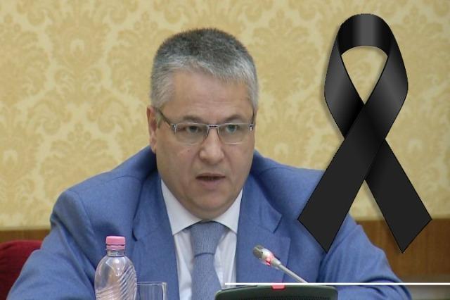 Der alte Ministerpräsident der  Regierung der nationalen Versöhnung, Bashkim Fino ist an  Covid 19  tot
