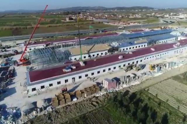 Fier'de Memorial hastanesinin inşaatı hızlı ritimlerle devam ediyor