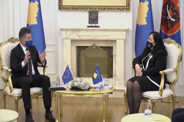 Επίσκεψη Λάιτσακ στο Κόσσοβο