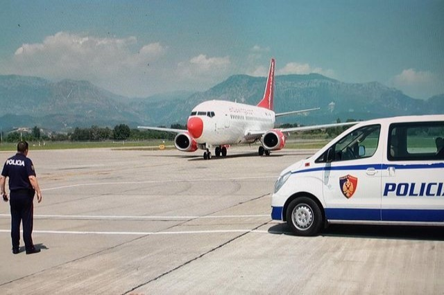 Albania to resume flights with UK