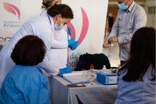 Kosovo starts the vaccination of the elderly