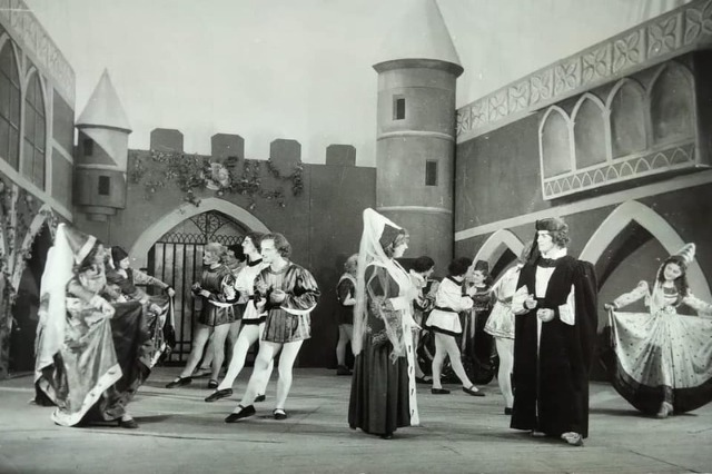 "NTHOB: The ballet""Esmeralda"", on stage in 1953 by the ballet group of the Albanian Philharmonic"