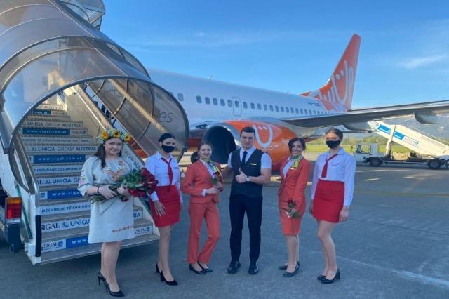 Otvara se turistička sezona, stigao prvi čarter u Albaniju sa 200 turista iz Ukrajine