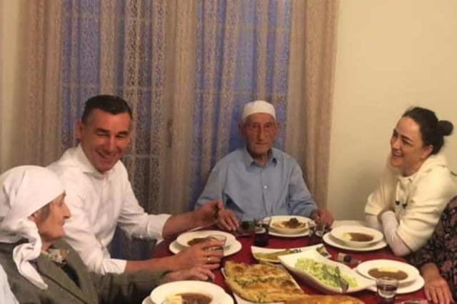 Veselji pušten iz zatvora kako bi posetio oca na Kosovo