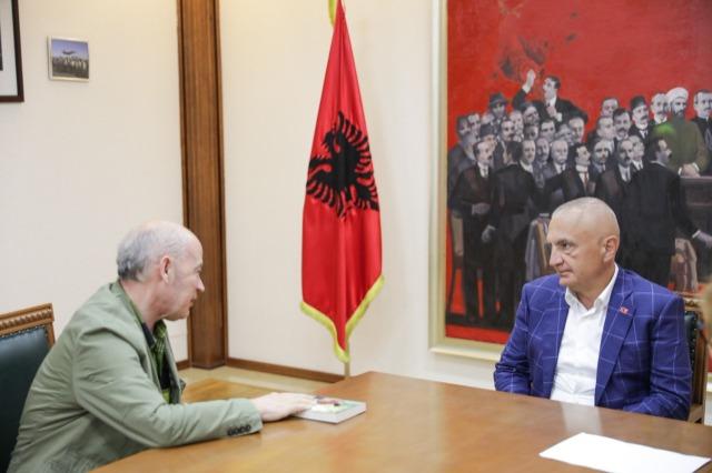 Der albanische Staatspräsident, Ilir  Meta, empfing den albanisch-französischen Schriftsteller und Dichter, Skënder Sherifi