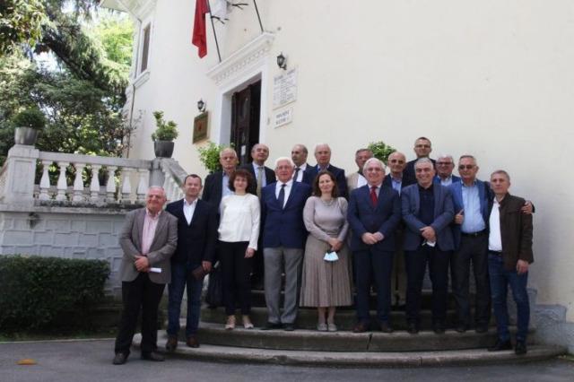 '' Arnavutların tarihi '' yapıtı hazırlanacak