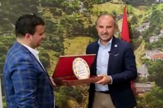 Europäische Botschafter besuchen Gjirokastra, Soreca: die wichtigste Stadt in der Geschichte Albaniens