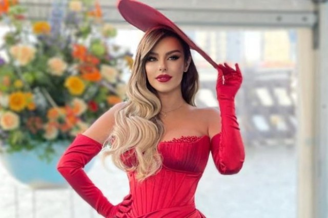 """Angela Peristeri gets the first win in """"Eurovision"""", declared the most beautifully dressed singer"""