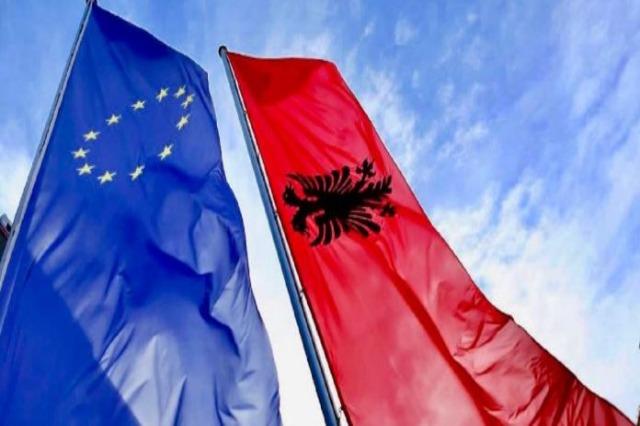 Varhelyi: Ohne ein volles Parlament ist es nicht möglich, auf dem Weg in die EU voranzukommen