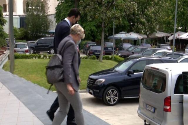 Basha traf sich die OSZE-ODIHR-Missionschefin: Kampf um die Fortsetzung