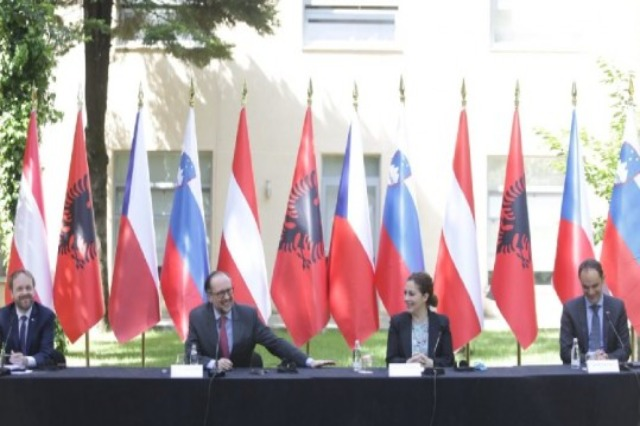 3 EU foreign ministers in Tirana, meeting with Xhacka:  June is the right time to start negotiations with Albania!