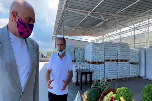 Der Regierungschef, Edi Rama, besuchte die landwirtschaftliche Region Divjaka