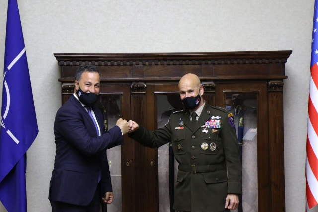 Peleshi received in a meeting the Commander of the American Army in Europe and Africa, General Christopher Cavoli