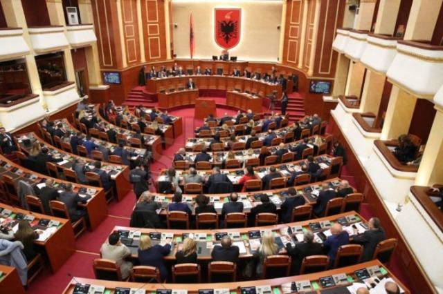Aus dem Parlament:  Überprüfung  von 3 Gesetzesentwürfen, zwei neue Abgeordnete wurden heute vereidigt