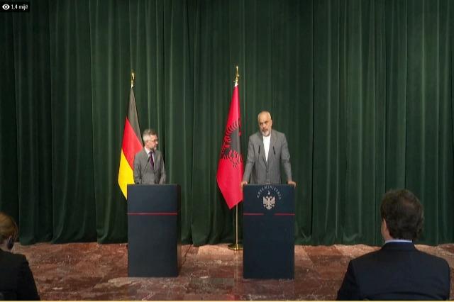 Der albanische Regierungschef, Edi Rama, empfing den deutschen Staatsminister für Europa, Michael Roth