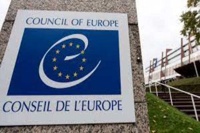 Reporters of the EC Parliamentary Assembly seal April 25th
