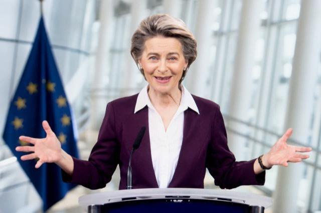"""Ursula von der Leyen : """"L'avenir des Balkans occidentaux,  c'est  à l'UE"""""""