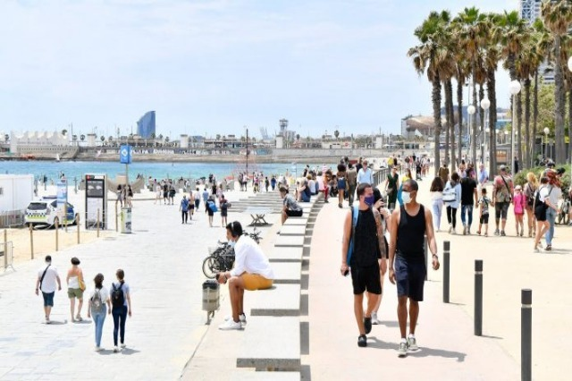 Španija ponovo otvara plaže za vakcinisane turiste