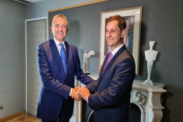 Klosi-Theoharis : Coopération entre l'Albanie et la Grèce dans le domaine du tourisme