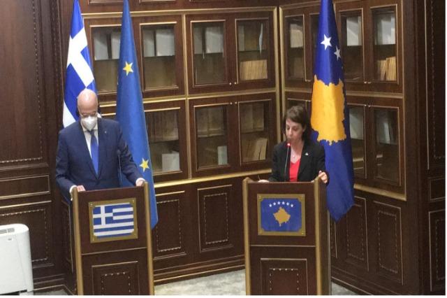 La Grèce soutient la libéralisation des visas pour le Kosovo