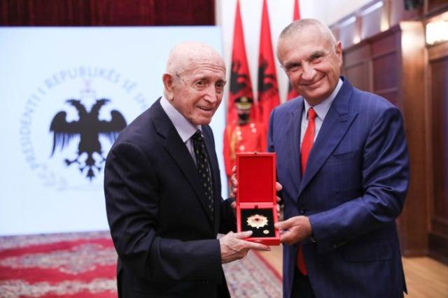 « Honneur de la Nation » pour le légendaire entraîneur Vangjel Koja et le basketteur Muhamet Përmeti