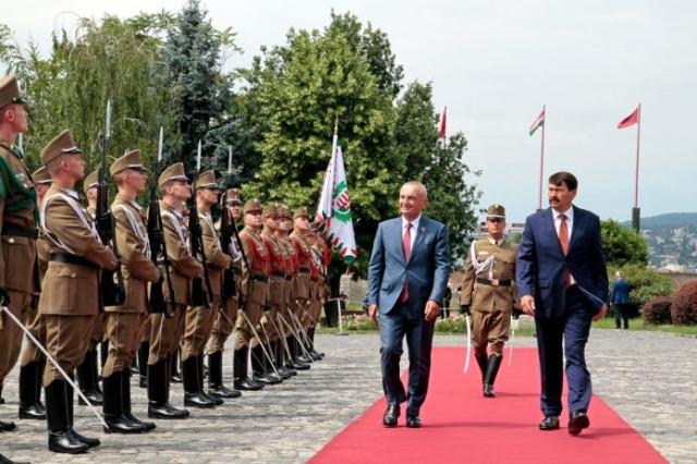 Der albanische Staatspräsident, Ilir Meta, führt einen Staatsbesuch in Ungarn durch