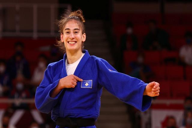 Drugo zlato za Kosovo na Olimpijadi, za džudistkinju Noru Đakovu