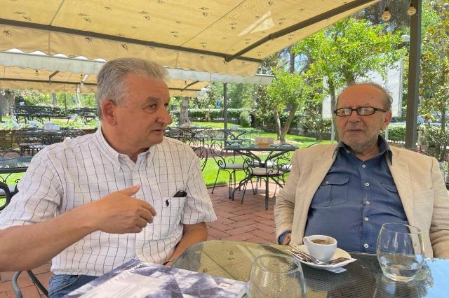 Die chinesische Literaturpresse schreibt über den  großen albanischen Schriftsteller, Ismail Kadare