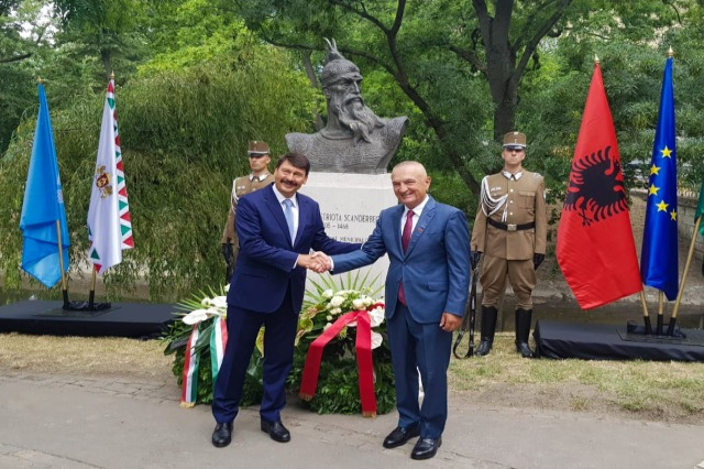 In Budapest wurde heute  die Büste des albanischen Nationalhelden, Gjergj Kastrioti Skanderbeg, eingeweiht