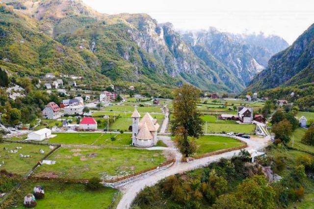 """""""Vratite se kući"""", premijer Rama u turističkoj sezoni dočekuje Albance iz dijaspore"""
