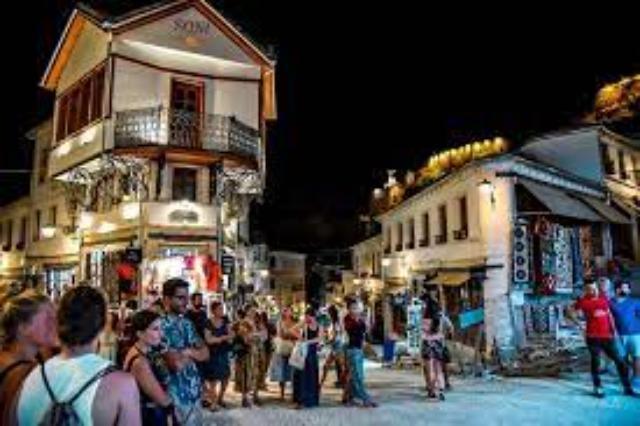 Le tourisme est relancé dans la ville de pierre de Gjirokastra ! Au cours des 5 premiers mois de l'année, visité par 28 000 touristes