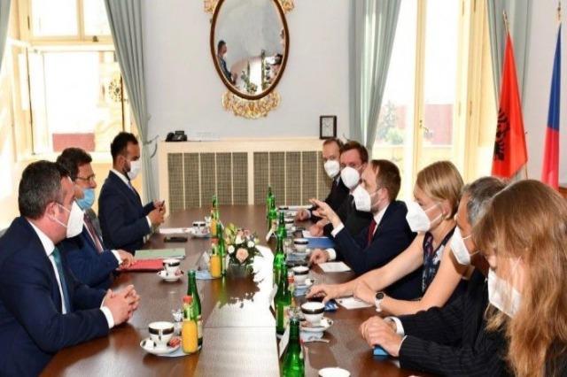 Mazi-Treffen in Prag: Albanien erwartet von der EU die richtigen Entscheidungen